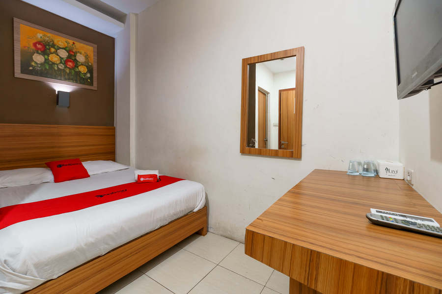 Reddoorz Syariah Near Simpang Surabaya Aceh Hotel