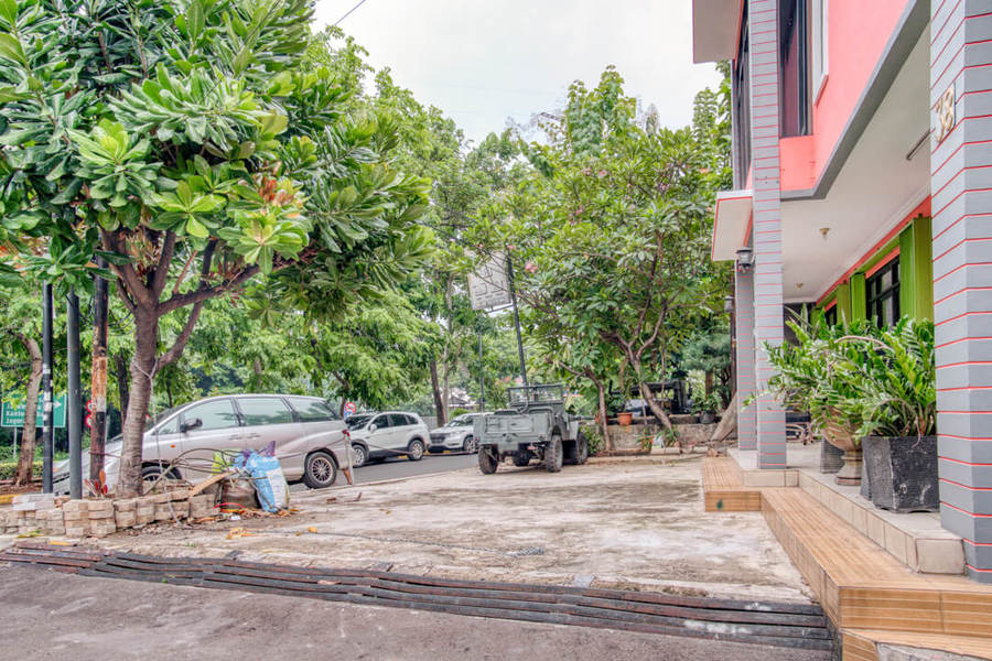 Reddoorz Near Taman Mini Jakarta Book Budget Hotel In Jakarta
