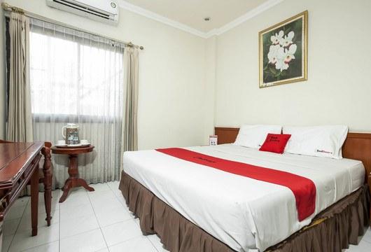 RedDoorz Pucang AnomSurabaya Book Budget Hotel Rp131K