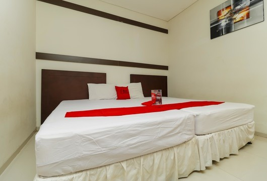RedDoorz Cikeas SentulBogor Booking Hotel Murah Mulai 327rb