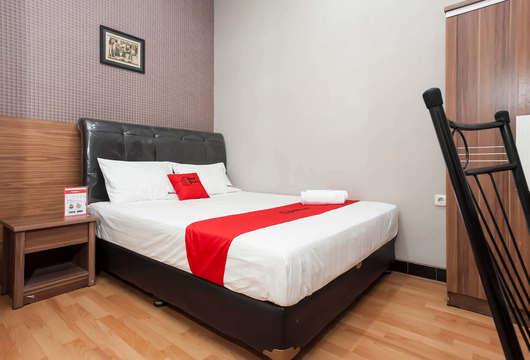 RedDoorz Raya NgagelSurabaya Booking Hotel Murah Mulai 131rb
