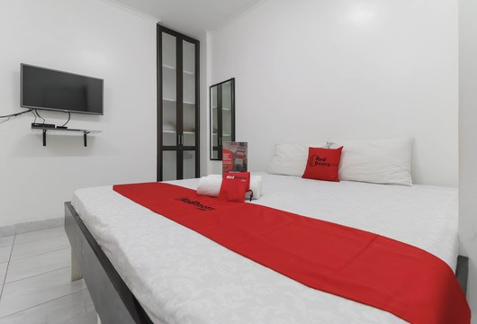 RedDoorz Fatmawati RayaJakarta Booking Hotel Murah Mulai 125rb